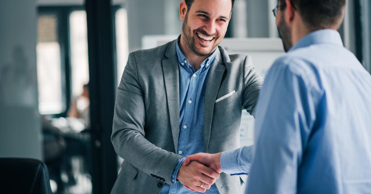 Como uma estratégia CRM fideliza antigos clientes e, ainda, atrai novos?