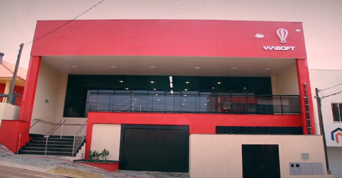 Soft Cave: Viasoft inaugura nova área de convivência e celebra seu lugar na nova era dos ambientes de trabalho